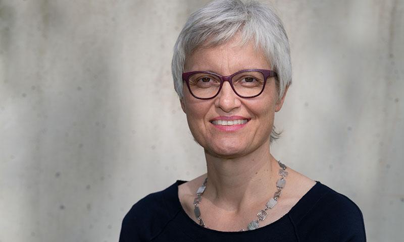 Über mich: Bild von Stina Steiner-Sondheimer - Coach und Supervisorin bso und dipl. Logopädin EDK